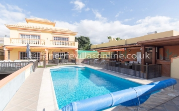 Which Villas in Callao Salvaje are Good for Families4