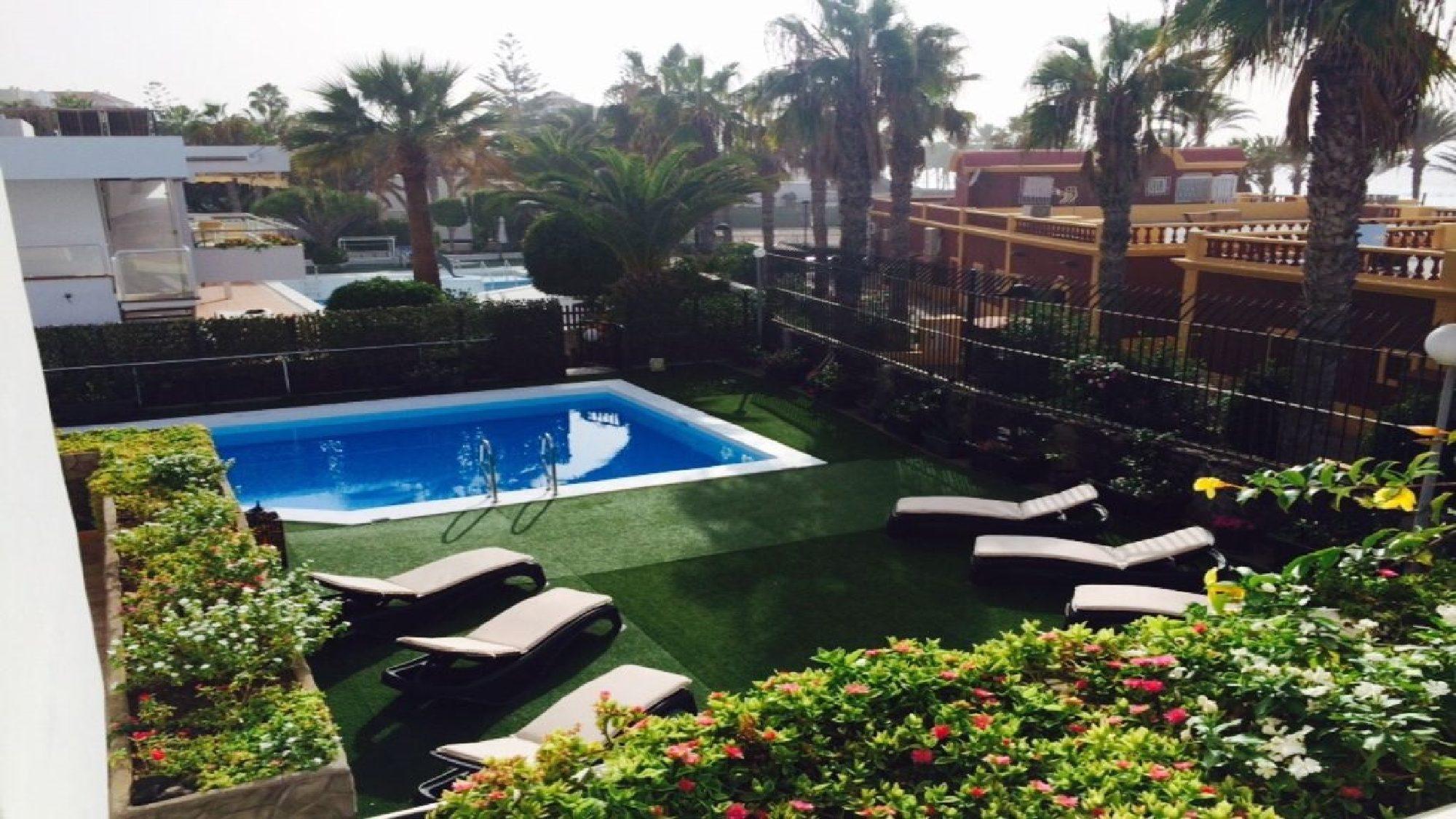 6 bedroom villa for rent in Tenerife private heated pool in las americas