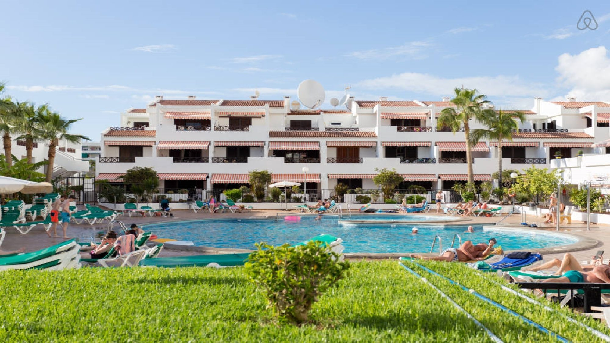 Apartment In Tenerife To Rent Heated Pool 3 Bedrooms Los Cristianos